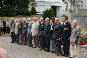 Les Anciens ayant reçu le diplôme d'honneur aux combattants
