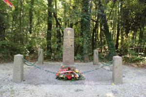Stèle Charles de Mangou à Annoix
