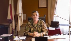 premier jour dans le grand bureau du chef pour le Lieutenant Colonel Budan de Russé  (photo Arnaud Thiry)