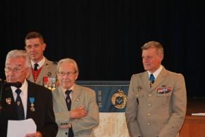 Lucien BAUDON à côté du Président