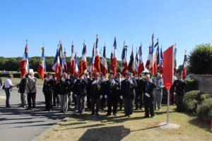 les porte-drapeaux à l'inauguration du Mémorial