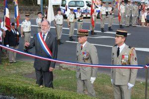 le Général Bertrand Houitte de la Chesnais, le Colonel Budan de Russé et Monsieur Marty, maire.